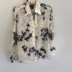 Couture NWT. Long sleeve.  Sz large.